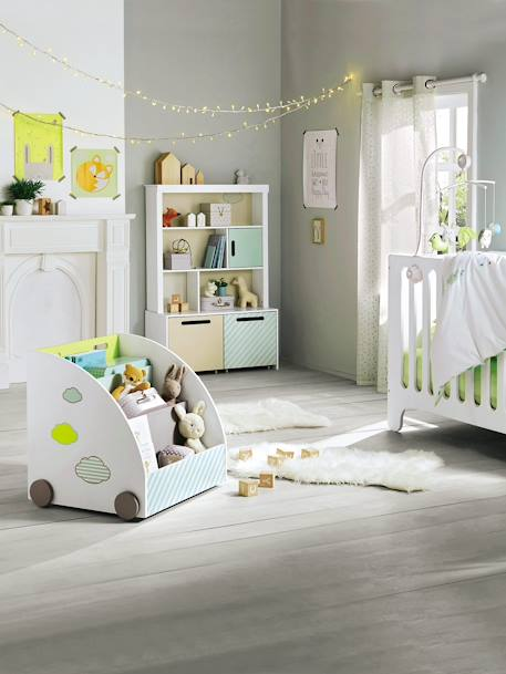 vertbaudet teppich in schaffell optik f r kinderzimmer in wei. Black Bedroom Furniture Sets. Home Design Ideas