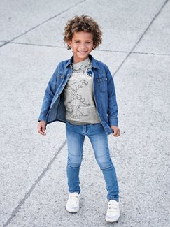 Jungenkleidung-Lookbook-Outfit – Denim