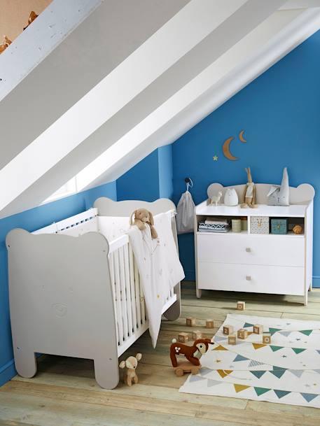 vertbaudet kinderzimmer teppich wimpel in wei bedruckt. Black Bedroom Furniture Sets. Home Design Ideas