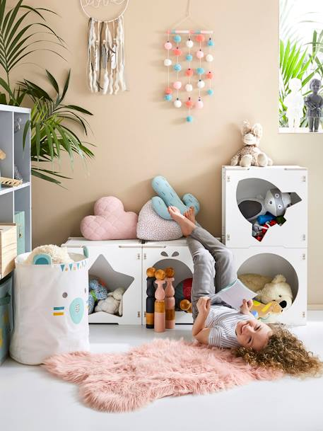 vertbaudet teppich in schaffell optik f r kinderzimmer in rosa. Black Bedroom Furniture Sets. Home Design Ideas