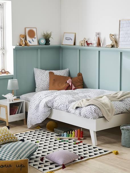 vertbaudet kinder teppich pompons und fransen in wollwei. Black Bedroom Furniture Sets. Home Design Ideas